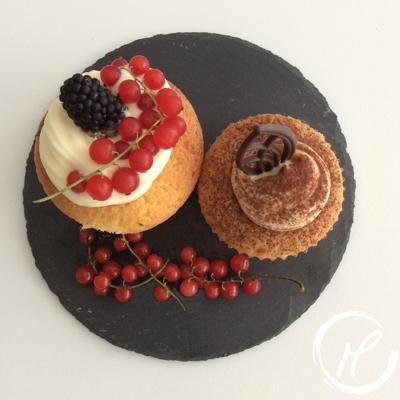 cupcake, muffin, galsur, buttercreme, buttercream, frosting, dessert