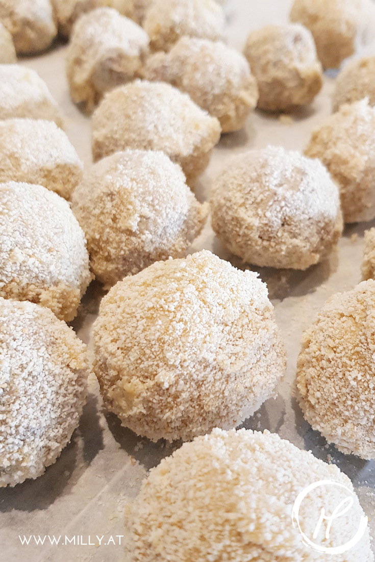 Bitterballen sind frittierte Fleischkroketten - sie enthalten ein Ragout aus Rindfleisch und werden dann paniert und frittiert. #bitterballen #snack