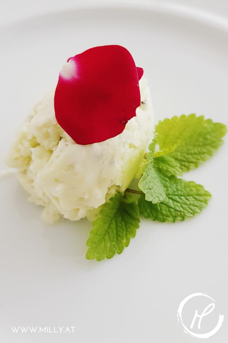Leckeres, blitzschnelles und erfrischendes Kiwi Eis für die lauen sommerlichen Abende! #kiwi #eis #somme #gelato #obst #cocktail #frühling